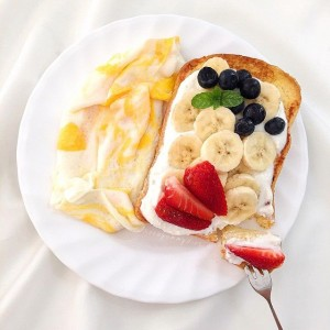 ขนมปังโฮลวีททาโยเกิร์ต
